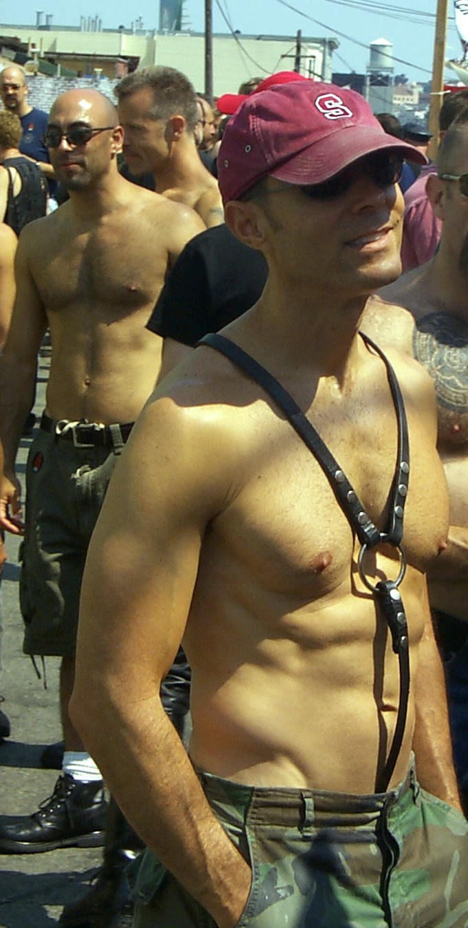 Gay Leathermen.com